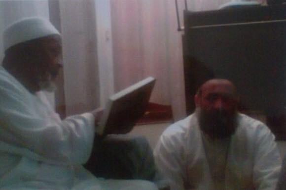 Chaykh Zouhair dans un cours de Chaykh Abdou l-Lah